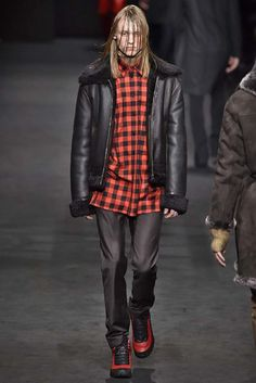 Versace Milan Menswear Fall Winter 2017, desfile masculino, tendencia masculina, inverno 2017, winter 2018, alex cursino, blog de moda, moda sem censura (30)