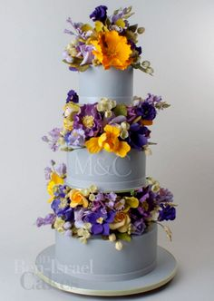 A beautiful Ron Ben Israel wedding cake