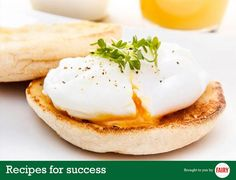 Poached_eggs Place a layer of cling film in a cup, brush it with oil and drop a fresh egg into it. Twist the ends of the cling film together and knot in simmer water for 4 min, done!