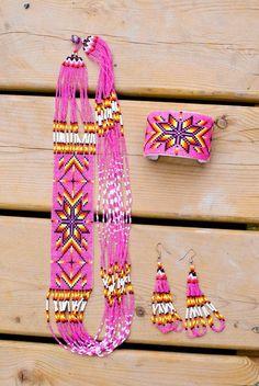 Beautifully Beaded Pink Jewelry Set by SparkleandBead Indian Beadwork, Native Beadwork, Native American Beadwork, Pink Jewelry, Seed Bead Jewelry, Beaded Jewelry, Jewellery, Seed Bead Patterns, Beading Patterns