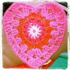 Crochet heart pink. Gehaakt hart roze. Www.facebook.com/naald5