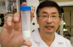 Scientist develops a multi-purpose wonder material to tackle environmental challenges. A material that can generate hydrogen, produce clean water and even create energy. Environmental Challenges, Eco Architecture, New Inventions, Nanotechnology, Cool Tech, Alternative Energy, Green Building, Renewable Energy, Natural Teeth Whitening