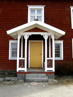 Brokvist Cabin Doors, Outdoor Projects, Outdoor Decor, Door Entryway, Porche, Cottage Exterior, Swedish House, Cozy Cottage, Scandinavian Home