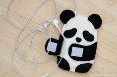 Capa de celular feltro panda,