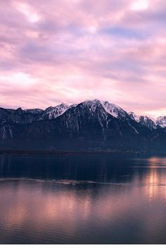 18 breathtaking pictures from Switzerland to fuel your wanderlust.Img copyright:Montreaux Riviera
