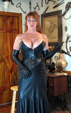 little york milf women Welcome to maturezzzone this is a mature porn tube that updates every day.