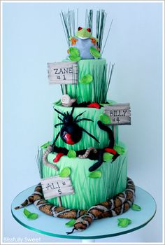 Blissfully Sweet: A Reptile Themed Birthday Cake Bug Birthday Cakes, 6th Birthday Parties, Birthday Ideas, Birthday Fun, Fancy Cakes, Cute Cakes, Pretty Cakes, Crazy Cakes, Gorgeous Cakes