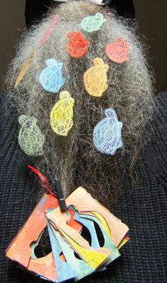 BEARD GALLERY - Opere di Renata Di Palma installate sulla mia barba (Galleria Pensile)