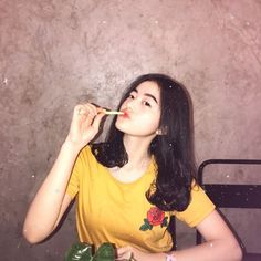 Solo Photo, Short Wavy Hair, Asia Girl, Ulzzang Girl, Aesthetic Girl, Asian Beauty, Korean Fashion, Girly, T Shirts For Women