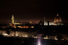 When in Florence you can't miss this spectacular view of the city at night Photo credit: Alessandro Valli  #visitflorence #adayinflorence #tuscany #italy