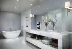 Bäderideen, Großes Badezimmer In Grau Mit Ovaler Freistehender Wanne