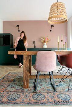 Kitchen Interior, Home Interior Design, Interior Decorating, Pink Dining Rooms, Modern Bohemian Decor, Galley Kitchen Design, Home And Living, Living Room, Dining Room Design