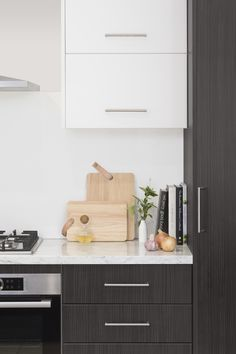 KABOODLE KITCHEN HACK - try stacking slimline cabinets to create a feature on your wall, as well as adding a little more storage space! Diy Kitchen Storage, Kitchen Hacks, Kitchen Ideas, Round Bar, Home Chef, Kitchen And Bath, Floating Nightstand, Storage Spaces, Home Kitchens