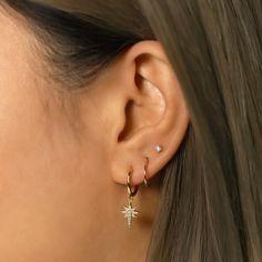 Three Ear Piercings, Pretty Ear Piercings, Ear Piercings Cartilage, Tongue Piercings, Piercings For Small Ears, Cute Cartilage Piercing, Cute Cartilage Earrings, Ear Piercings Chart, Types Of Piercings