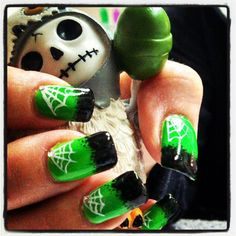 Halloween nails with shellac