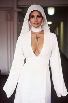Raquel Welch, Bluebeard, 1972