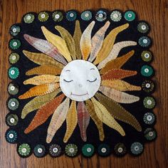 Sunflower Baby Wool Penny Rug by AshtonPublications on Etsy Penny Rug Patterns, Wool Applique Patterns, Felt Applique, Applique Quilts, Penny Rugs, Felt Crafts, Fabric Crafts, Wool Mats, Wool Quilts
