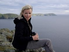 Ellie Harrison - She's into self-sufficient living and is both an ecologist and a journalist. Brains Win!