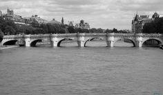 Le pont Neuf #Paris ©John Helios