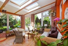 Winter Gardens Decoration Ideas for Four Seasons - Unique Balcony & Garden Decor. Conservatory House, Conservatory Extension, Conservatory Ideas, Garden Room Extensions, House Extensions, Beautiful Space, Beautiful Gardens, Green Painted Rooms, Design Within Reach