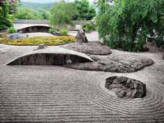 Rock garden at Jissoin Temple