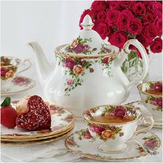Tea Time in Old Country Roses