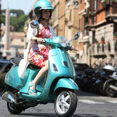 Vespa LX 50 4V - This is what I'll use to transport myself to and from UA via The Seasons.
