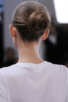 the perfect hair bun
