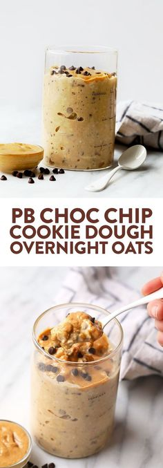 These peanut butter cookie dough overnight oats pack 15 grams of protein and a ton of fiber! Whip up a big batch of these oats for breakfast this week! Oats Peanut Butter Cookie Dough Overnight Oats - Fit Foodie Finds (So Easy! Chocolate Overnight Oats, Peanut Butter Overnight Oats, Healthy Peanut Butter, Protein Overnight Oats, Overnight Breakfast, Peanut Butter Breakfast, Overnight Oatmeal, Overnight Oats Greek Yogurt, Protein Oatmeal