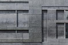 An der anthrazitfarbenen Betonfassade des Sprengel-Erweiterungsbaus von Meili, Peter Architekten scheiden sich in Hannover die Geister. Die Ausstellungssäle beeindrucken durch ihre Lichtfülle.
