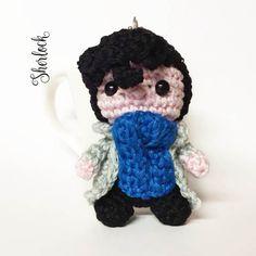 Sherlock amigurumi pupazo portachiavi uncinetto di MrsPoppyAmigurumi su Etsy