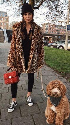 Pinterest: DEBORAHPRAHA ♥️ leopard animal print coat, leggings and all star sneakers #winter #outfits