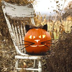 Trick-or-treaters will love this adorable cat pumpkin! Get the stencil here: http://www.bhg.com/halloween/pumpkin-carving/happy-pumpkins-for-halloween/?socsrc=bhgpin100612catpumpkin#page=8