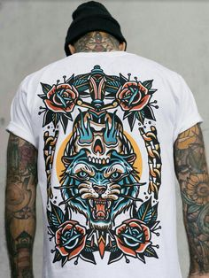 Our New Tiger Rose Tee. Wihte Thick Cotton, whit colorful backprint, roses tiger and sword, vintage, original tattoo design. Top Streetwear, Streetwear Brands, Streetwear Fashion, New T Shirt Design, Tee Design, Shirt Designs, Tattoo Shirts, Beau T-shirt, Urban Outfits