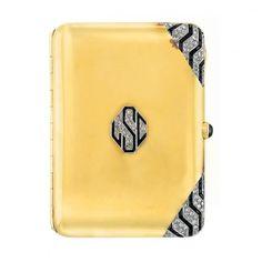circa 1920 Art Deco gold, platinum, diamond and black onyx cigarette case - Doyle New York Art Deco Home, Art Deco Era, Art Nouveau, Belle Epoque, Art Deco Vanity, Vintage Cigarette Case, Cigar Cases, Compact, Antique Boxes