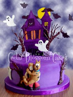 Scooby Doo Where Are You? Chocolate mud cake covered with rich dark chocolate ganache and a fondant layer. All details are gumpaste,. Bolo Halloween, Halloween Torte, Dessert Halloween, Fete Halloween, Halloween Birthday, Halloween Treats, Purple Halloween, 3rd Birthday, Bolo Scooby Doo