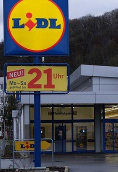 Lidl comienza pruebas con punto de recogida Lidl Express  Dos meses después de que Lidl anunciara que empezara a vender frutas y verduras en línea en Alemania, la discounter de supermercados está experimentando con Lidl Express, un punto de recogida de pedidos en línea donde los consumidores también pueden comprar productos frescos.  Lidl tiene una sucursal en la localidad berlinesa de Schöneberg que actualmente está pasando por una gran renovación, porque sirve como proyecto piloto del…