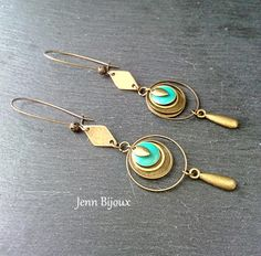 Earrings in bronze and blue / green metal, sequin, rings, connect … - Jewelry Diy Necklace, Leather Earrings, Bead Earrings, Metal Jewelry, Beaded Jewelry, Vintage Jewelry, Earrings Handmade, Handmade Jewelry, Diy Jewelry
