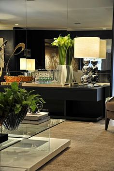 Aparador bar - veja modelos e dicas para você ter um bar em casa lindo e prático!