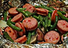 Papillote saucisse et haricots verts. Vous aimez nos saucisses alors vous adorerez cette papillote sur barbecue. Facile à faire et savoureuse.