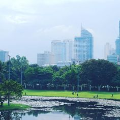 View of #Manila from the walls of #intramuros (#OldTown). #pic #travelpic #travelphotography #cityscape #philippines #picoftheday #photography #nikon #tbex #tbexph #itsmorefuninthephilippines :earth_americas::sunny::heart::smile::office: