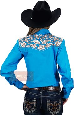 Camisa Feminina Azul Viva sua Paixão   Camisa feminina na cor azul, botão pressão perolado, bordado floral na parte superior e costas. A excelência da marca Resistol vem de longa data e veste o Cowboy e Cowgirl por completo. Alta qualidade e durabilidade em uma única marca.