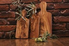 WE do provide our lovely clients this awesome handmade olive wood cutting boards perfect for kitchen 100 % Handmade and natural Set of 3 Handmade wooden cheese board Dimensions : 30 cm × 15 cm 25 cm × 14 cm 20 cm × 10 cm Olive Wood Cutting Board, Rustic Cutting Boards, Cheese Cutting Board, Wood Chopping Board, Olives, Wooden Cheese Board, Cheese Boards, Handmade Wooden, Restaurant