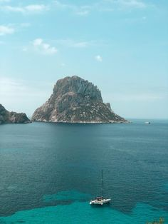 A Mini Guide To Ibiza - Without The Nightclubs - Just Emmi Cool Places To Visit, Great Places, Ibiza Travel, Ibiza Town, Inclusive Holidays, Ibiza Spain, Lost City, Beach Fun, Days Out