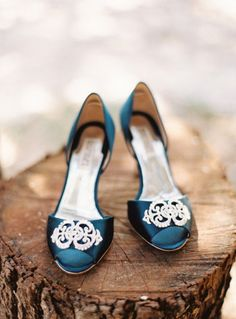 Glam wedding shoes: http://www.stylemepretty.com/2012/09/04/texas-hill-country-wedding-at-don-strange-ranch-from-ryan-ray-photography/ | Photography: Ryan Ray - http://ryanrayphoto.com/