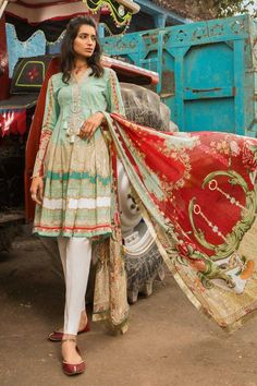 M Prints Maria B Printed Embroidered Lawn Collection consists of beautiful 3 piece lawn printed embroidered designer suits in reasonable prices Pakistani Fashion Casual, Pakistani Dresses Casual, Pakistani Dress Design, Indian Fashion, Maria B, Dress Indian Style, Indian Outfits, Indian Dresses, New Designer Dresses