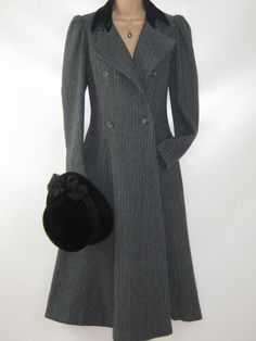 LAURA ASHLEY Vintage 1983 Rare Victorian/Edwardian Cambrian Wool Tweed Coat, UK 10/12 (Label UK14)