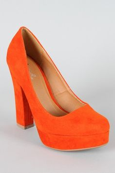 A timeless pump in the color of the year #tangerineorange #qupidtrish14 #urbanog $25.90