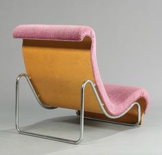 Jørn Utzon; Molded Beech Plywood and Chromed Tubular Steel Lounge Chair for Fritz Hansen, c1969.