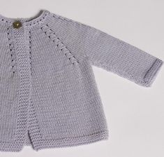 Ravelry: 4 / Cardigan for baby pattern by Florence MerlinRavelry: 4 / Hırka Floransa MeKnitting Pattern Baby Cardigan Instructions in English InstantThis Pin was discovered by ays Baby Knitting Patterns, Baby Girl Patterns, Baby Sweater Patterns, Knit Baby Sweaters, Knitting For Kids, Baby Cardigan, Cardigan Bebe, Baby Vest, Baby Pullover Muster